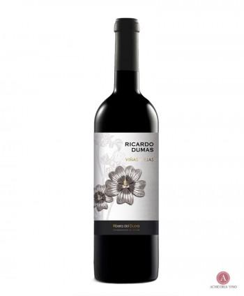Vino tinto. Vino de Ribera del Duero. Botellas de vino. 100% Tinto fino.