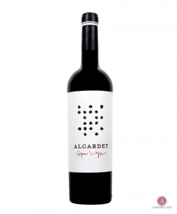 Vino tinto. Vino de Castilla la Mancha. Botellas de vino. Vino 70% Moravia 30% Velasco.