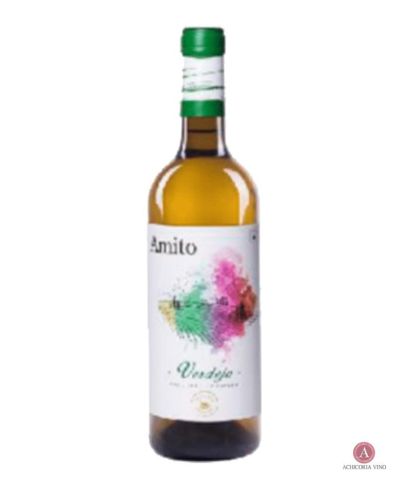 Vino blanco. Vino de Castilla la Mancha. Botellas de vino. Verdejo.